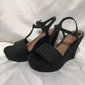 UGG Australia Fitchie Black Wedge Sandal 6 1/2